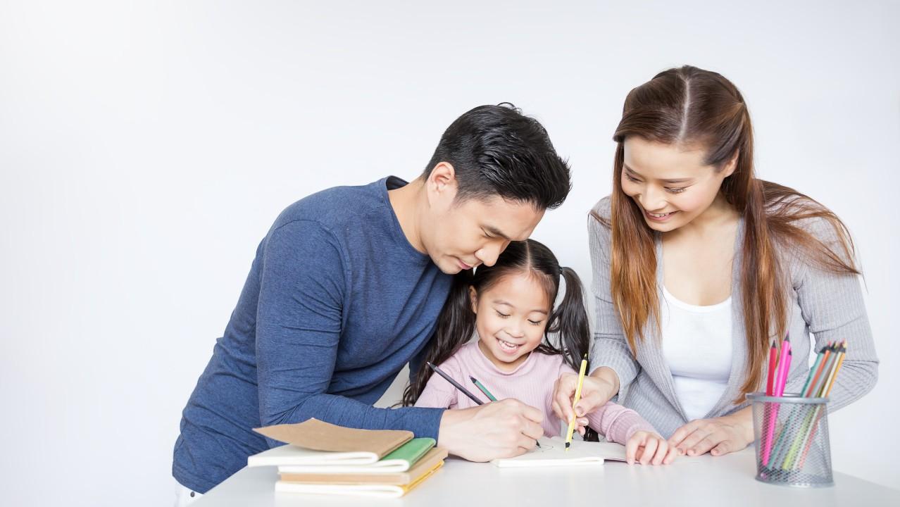 Mahalkah Biaya Homeschooling? Apa Saja Kelebihan Kekurangannya?